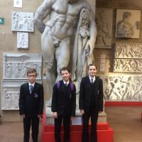 galleries/edward-evie-and-lottie-with-hercules